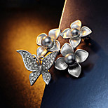 The Big Silver Butterfly Flower Brooch Pearl Jewelry Texture
