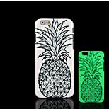 motif d'ananas lueur dans la couverture arrière en plastique dur noir pour iPhone 6 6s iphone cas