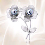 HUALUO®Lily  Retro Palace Brooch
