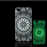 azteca resplandor patrón mandala en la cubierta trasera de plástico duro oscuro para iphone 5 para el caso del iphone 5s
