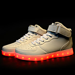 Männer führte Schuhe USB-Lade athletische / beiläufige Mikrofaser / synthetische Art und Weise Turnschuhe / sportlich schwarz / weiß