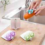 Finger Held Palm Peeler Holder Easy Vegetable Fruit Salad Slicer Kitchen Tool Random Color