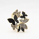 HUALUO®European and American fashion new butterfly brooch scarf buckle buckle hollow Ms. shawl Accessories