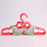 1PC 28*15*1CM Lovely Bowknot Baby Plastic Hangers (Random Color)