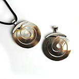 Beadia 45mm Round Natural Mother of Pearl Black Shell Pendant (1Pc)