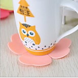 A Clover Heart Hot Silica Gel Cup Mat