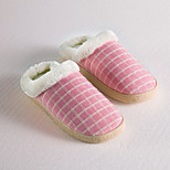Traditional Red Grid Pattern Slide Slippers Women's Slippers