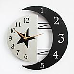 Moderno/Contemporâneo Casas Relógio de parede,Outros Metal / Madeira 32*31CM Interior Relógio