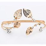 European And American Fashion Elegant leaf Shape Bracelet