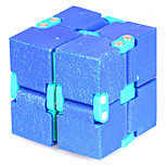 Rubikin kuutio Tasainen nopeus Cube Lievittää stressiä Rubikin kuutio Opetuslelut Korttipeli Pedagogiset kortit Sorminukke Muovit