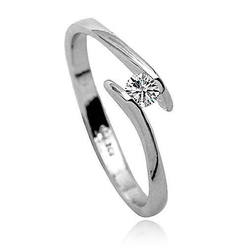 Элегантное кольцо с кристаллом  89.000