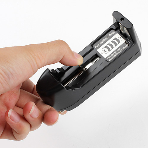 Универсальное зарядное устройство для батарей 16340 14500 17670 18650 на евророзетку  128.000