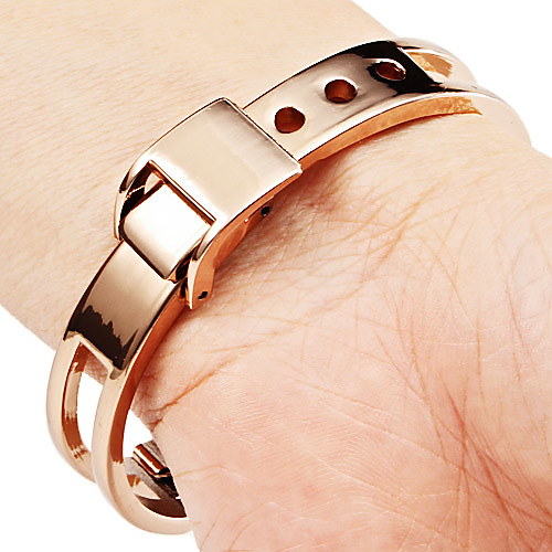 Полые женский стиль сплава аналогового кварцевые часы браслет (бронза)  300.000