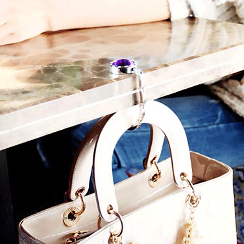 Красочеый крючок для сумки (1 штука, случайный цвет)  223.000