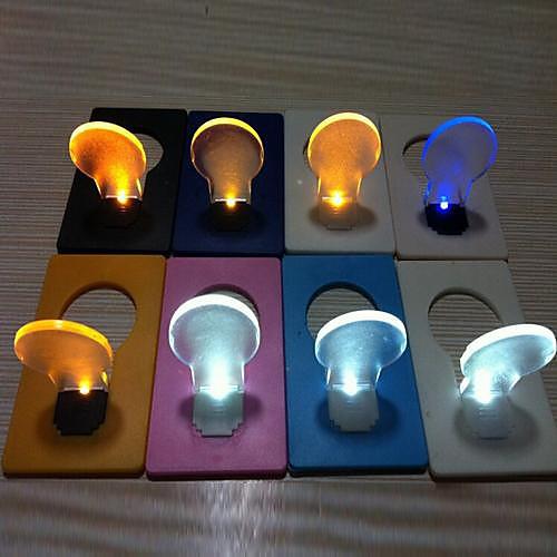 Карманный светильник-кредитка в виде лампочки (случайный цвет)