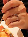 Amor Heart-Shaped Ouro cheia de diamantes em forma de V Anel de cauda não é anel ajustável 2013 Nova