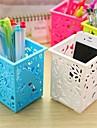 Moda Grabado Cuboide forma Desk plástico caja de almacenamiento (color al azar x 1 PCS)