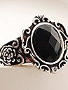 pierres noires anneau de miroir sculpté