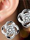 Femme Boucles d'oreille goujon Pierres de naissance Simple Style Mariée bijoux de fantaisie Argent sterling Forme de Fleur Bijoux Pour