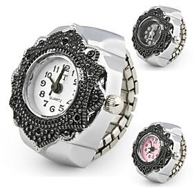 reloj de metal del anillo