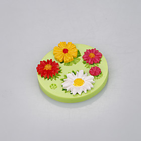 Beautiful daisy shape silicone flower cake molds with food-grade silicone material Color Random 5299555