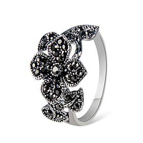 Women's Black Cubic Zirconia Classic Statement Ring Ring Silver Plated Imitation Diamond Clover Stylish Artistic Elegant Ring Jewelry Gray For Party Evening Pa