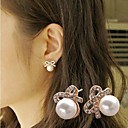 Diamond  Pearl Bow Round Stud Earring