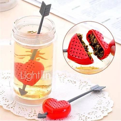 Ein Pfeil durch eine Herz-Design Kunststoff Tee-Löffel-Sieb