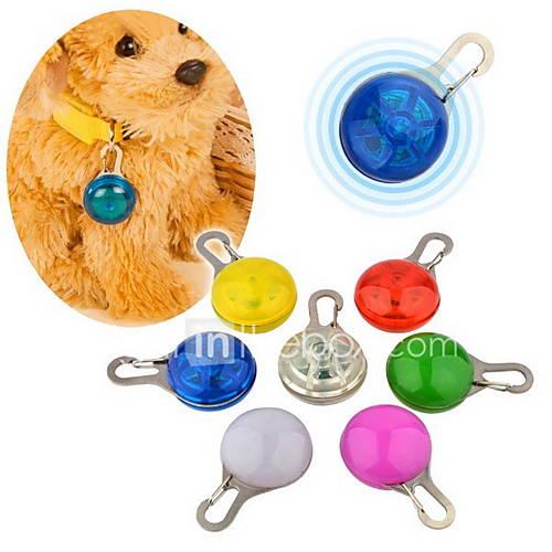 Luz de Seguridad de Mascotas LED con Gancho (Colores Surtidos) Miniinthebox por 1.95€