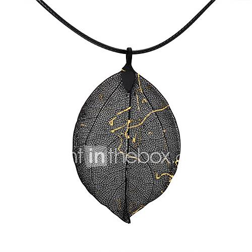 Women's Pendant Necklaces Chain Necklaces Leaf Geometric Gold Plated Alloy Classic Vintage Fashion European Oversized Jewelry For Party