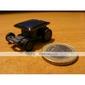 Mini auto ad energia solare