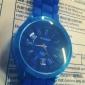 Mode Quarz-Armbanduhr mit blauem Silikon-Band