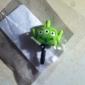 Joyland cartoon drie ogen monster rubberen anti-stof koptelefoon aansluiting