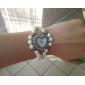 여성의 디아 망테 심장 모양의 리벳 밴드 석영 아날로그 팔찌 시계 다이얼