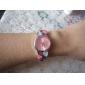 Femme Montre Tendance Bracelet de Montre Quartz Imitation de diamant Alliage Bande Heart Shape Bracelet ArgentBlanc Noir Violet Rouge